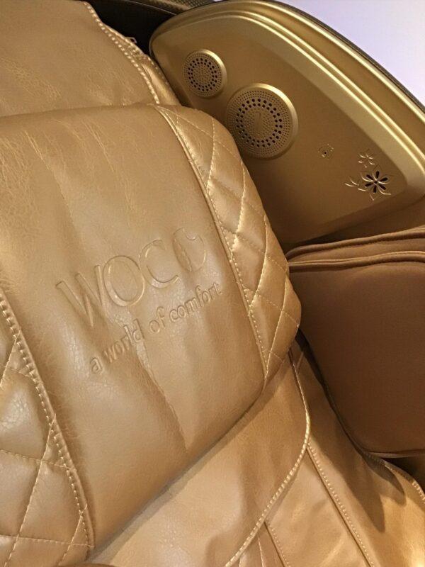 Massagestol-Apollo-brunt-guld-LED-ljus fra World of Comfort